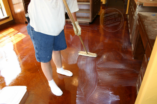 How to wax concrete floors