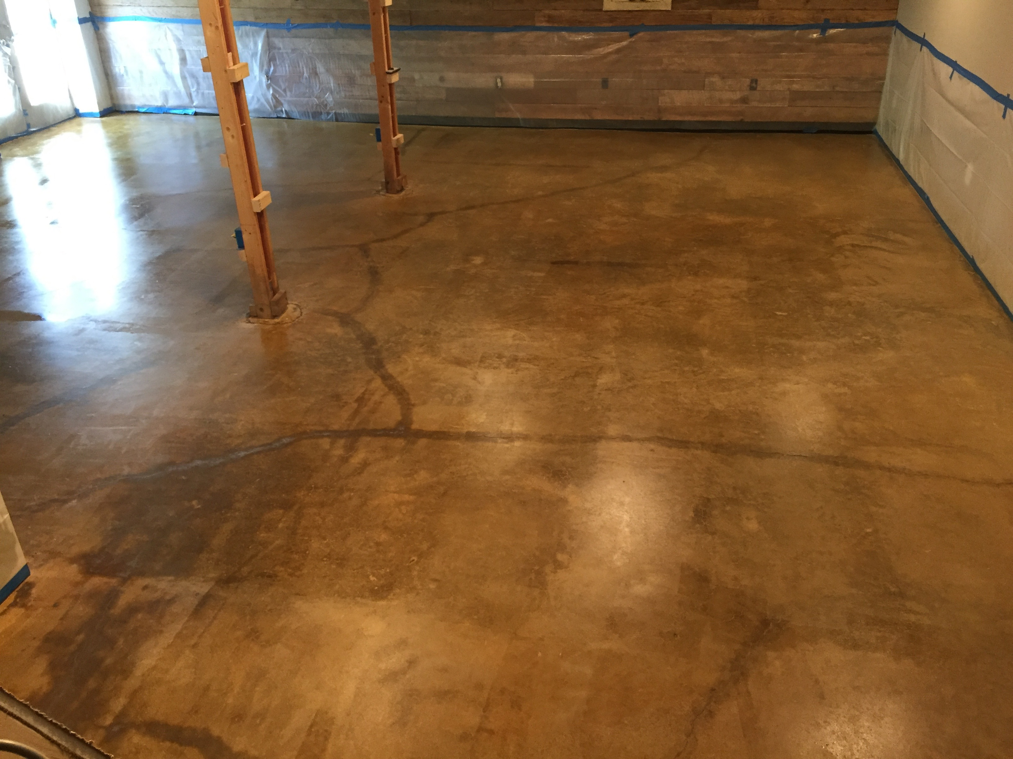 Staining Cracked Concrete